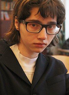 Аня Костюк, 16 лет, S-образный грудопоясничный сколиоз 4 степени, реберный горб, спасет операция, требуются металлоконструкции. 276521 руб.