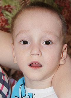 Ярослав Петин, 3 года, последствие перенесенной нейроинфекции, требуется лечение. 199620 руб.