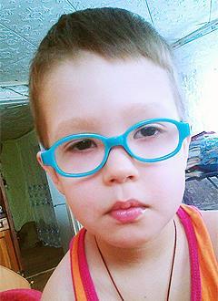 Саша Барышнин, 4 года, врожденная частичная аниридия (отсутствие радужной оболочки глаз), глаукома, требуется офтальмологический тонометр. 86091 руб.