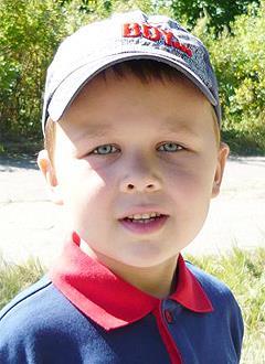 Максим Климушкин, 7 лет, ранний детский аутизм, требуется курсовое лечение. 199200 руб.