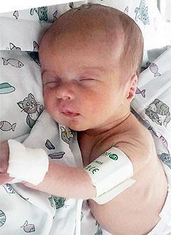 Саша Юхневич, 1 неделя, врожденный порок сердца, спасет операция. 379750 руб.