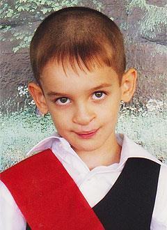 Никита Федичкин, 8 лет, послеоперационная рубцовая деформация верхней губы, недоразвитие челюсти, дефект речи, требуется ортодонтическое и логопедическое лечение. 316000 руб.