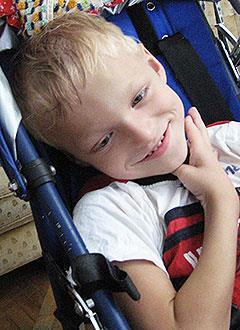 Максим Холоденин, 10 лет, детский церебральный паралич, требуется лечение. 199430 руб.
