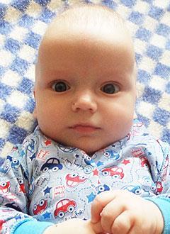 Саша Якунин, 6 месяцев, деформация черепа, требуется лечение специальными шлемами. 180000 руб.