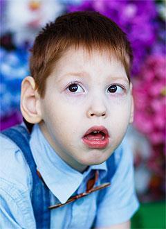 Тёма Морозов, 5 лет, детский церебральный паралич, эпилепсия, двигательные нарушения, требуется прогулочная коляска. 224812 руб.