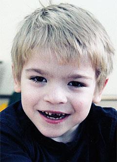Артем Паксюаткин, 7 лет, детский церебральный паралич, требуется лечение. 199430 руб.