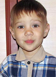 Ильдар Гадалиев, 2 года, венозная ангиодисплазия (поражение кровеносных сосудов) правой руки, требуется лекарство. 384307 руб.