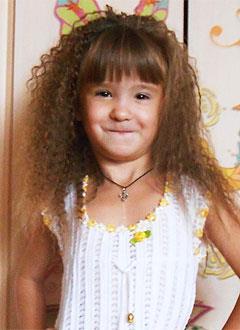 Арина Дмитриенко, 8 лет, расщелина нёба, недоразвитие верхней челюсти, сужение зубных рядов, нёбно-глоточная недостаточность, требуется лечение. 226000 руб.