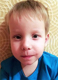 Даня Миронов, 4 года, врожденная двусторонняя косолапость, рецидив, требуется лечение. 151900 руб.