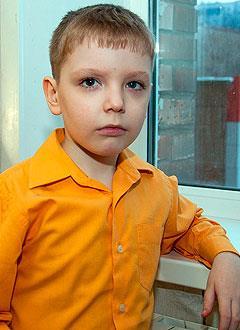 Сережа Туркин, 7 лет, ювенильный миеломоноцитарный лейкоз, состояние после трансплантации костного мозга, требуются системы для экстракорпорального фотофереза. 195300 руб.