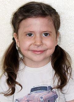 Елисавета Ермакова, 4 года, врожденная двусторонняя косолапость, рецидив, требуется лечение. 206150 руб.