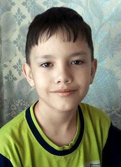 Тимур Шарапов, 9 лет, врожденный порок сердца, спасет эндоваскулярная операция. 396014 руб.
