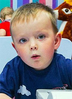 Максим Атякшев, 3 года, врожденная мышечная дистрофия, требуется откашливатель. 646660 руб.
