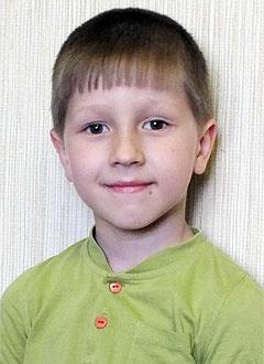 Дима Паюк, 6 лет, врожденная двусторонняя косолапость, рецидив, требуется лечение. 206150 руб.