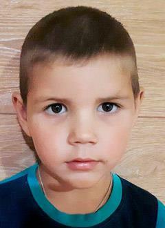 Матвей Довгалюк, 4 года, двусторонняя тугоухость 2–3-й степени, требуются слуховые аппараты. 151575 руб.