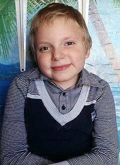 Арсений Ремизов, 7 лет, несовершенный остеогенез, требуется курсовое лечение. 527310 руб.