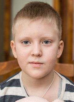Дима Мартынов, 6 лет, врожденный порок сердца, спасет эндоваскулярная операция. 440805 руб.