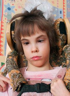 Рита Абдуллаева, 11 лет, детский церебральный паралич, требуется инвалидное кресло-коляска. 307318 руб.
