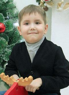 Руслан Ушаров, 9 лет, синдром Лея, требуется откашливатель и расходные материалы к аппарату искусственной вентиляции легких (ИВЛ). 636492 руб.