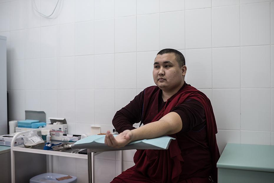 Администратор главного буддийского храма Калмыкии Йонтен-гелюнг вступил в ряды доноров и посоветовал сделать то же другим буддистам