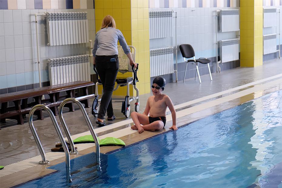 Для бассейна нужна сменная обувь – или сменная коляска